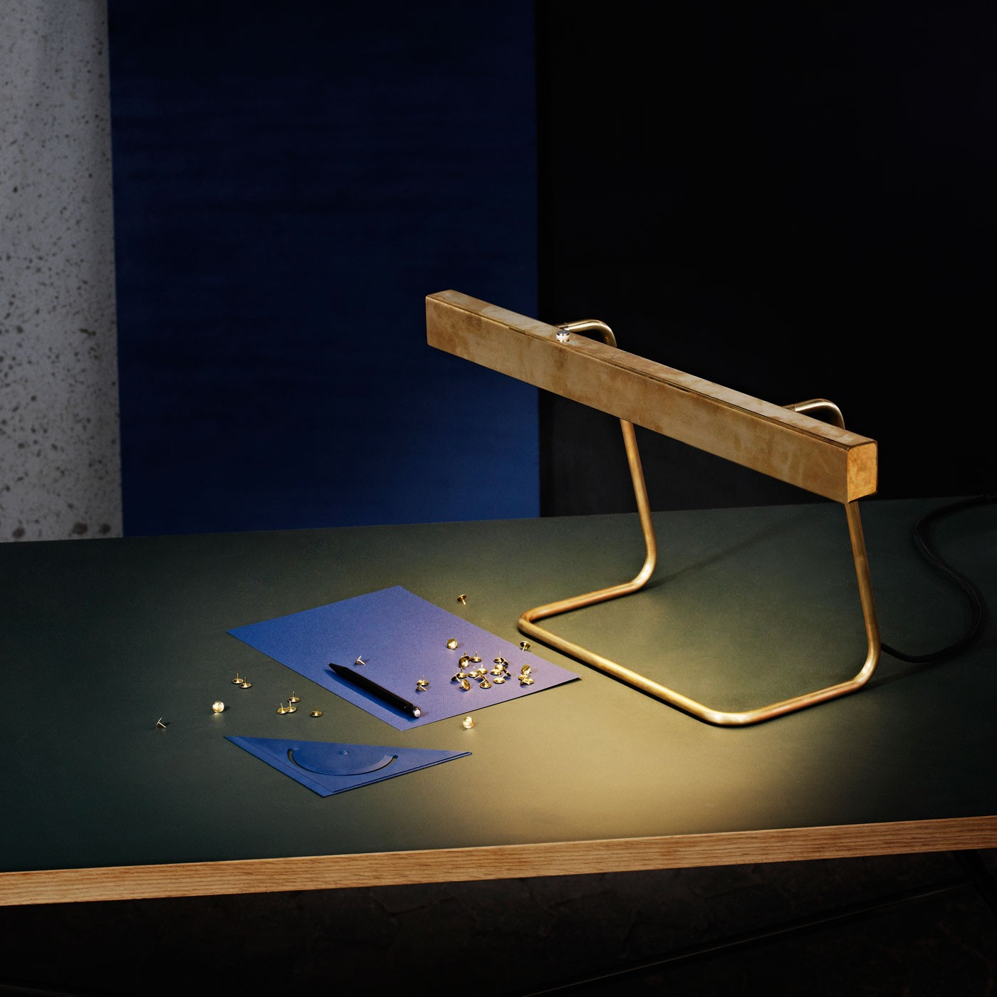 anour_table_lamp